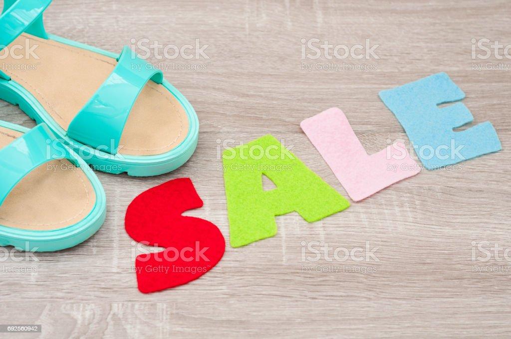 La Palabra Venta Hecha De Fieltro Y Mujeres Zapatos