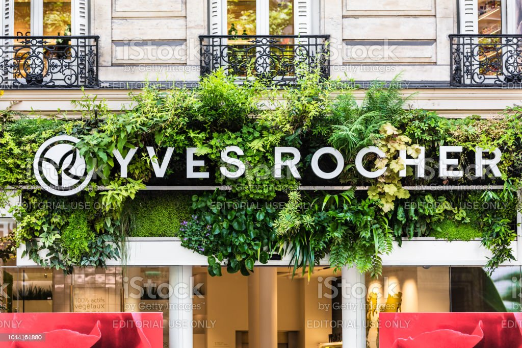 88d068c5e0 The Yves Rocher Sign And Logo Paris France - Fotografie stock e ...