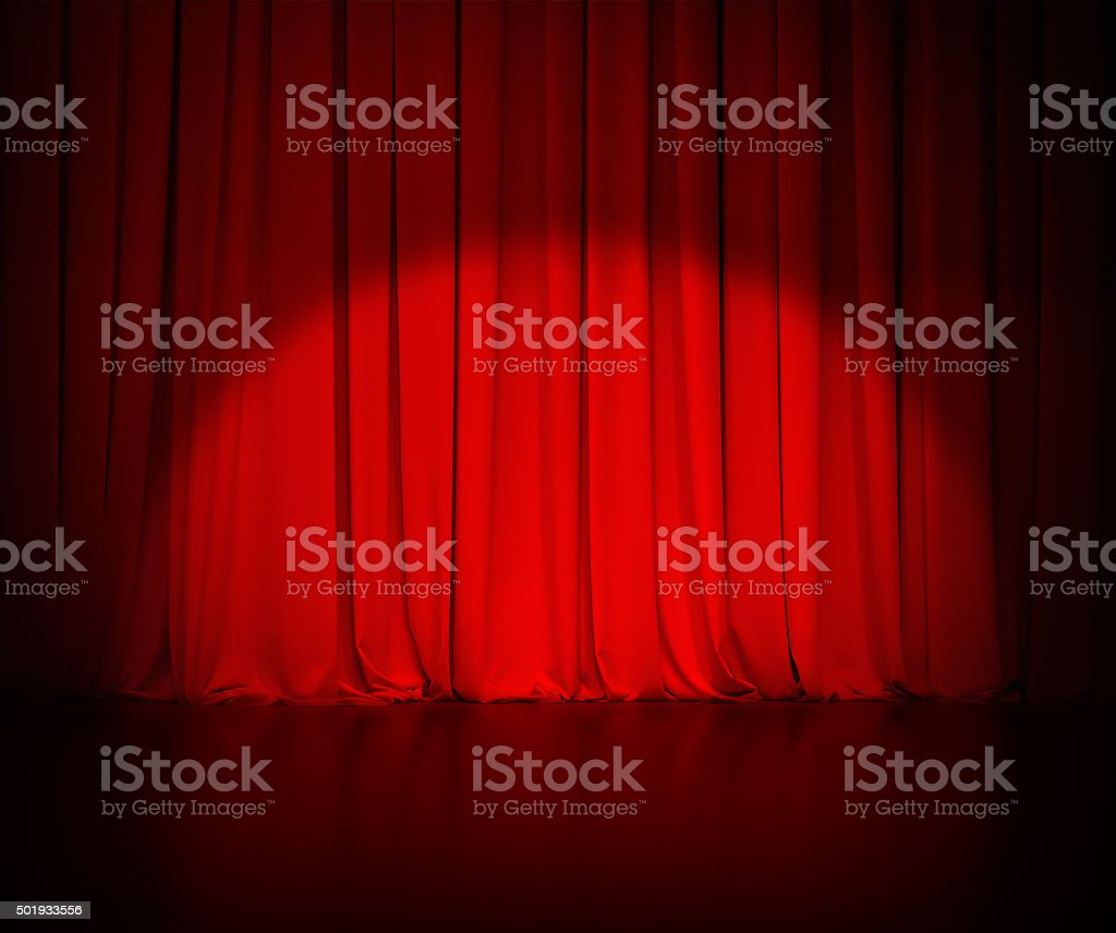 Cortina roja teatro o cortinas fondo con punto de luz - foto de stock