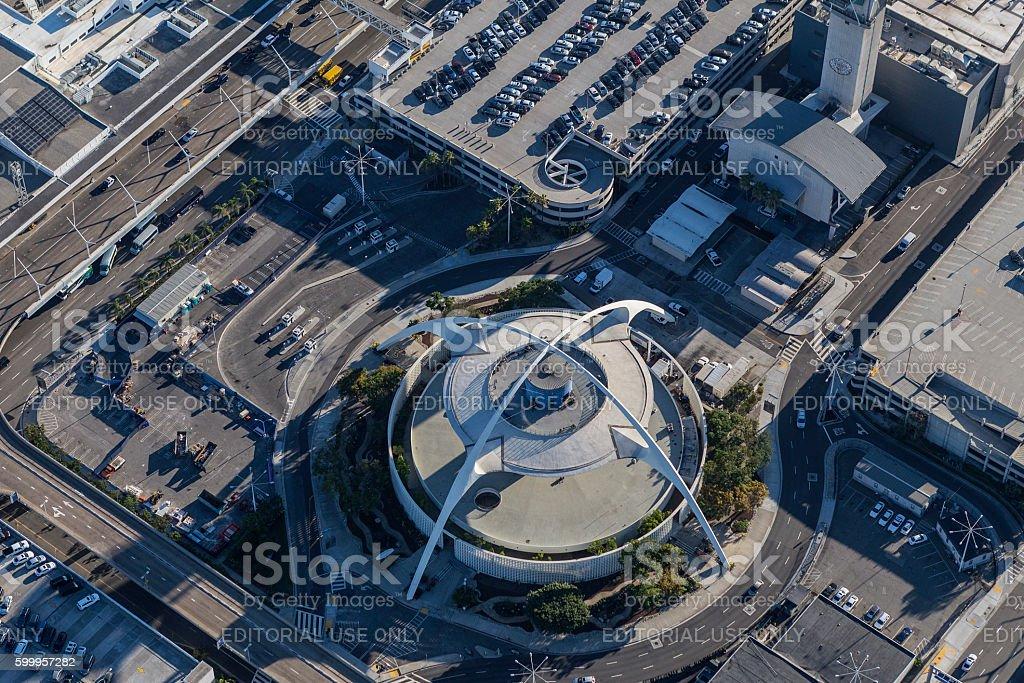 LAX Theme Building Aerial View Los Angeles - foto de acervo