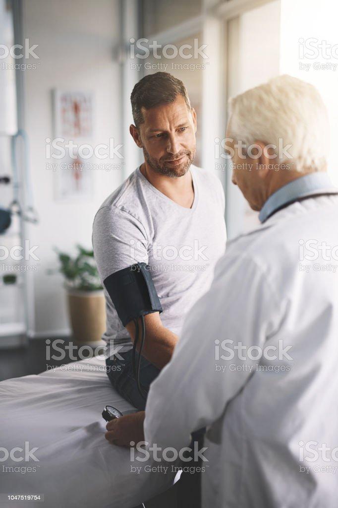 Es gibt viele Gründe für Bluthochdruck – Foto