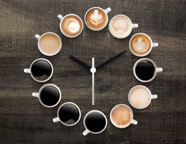 gibt es eine bestimmte art von kaffee für jede tageszeit - kaffee koffein stock-fotos und bilder