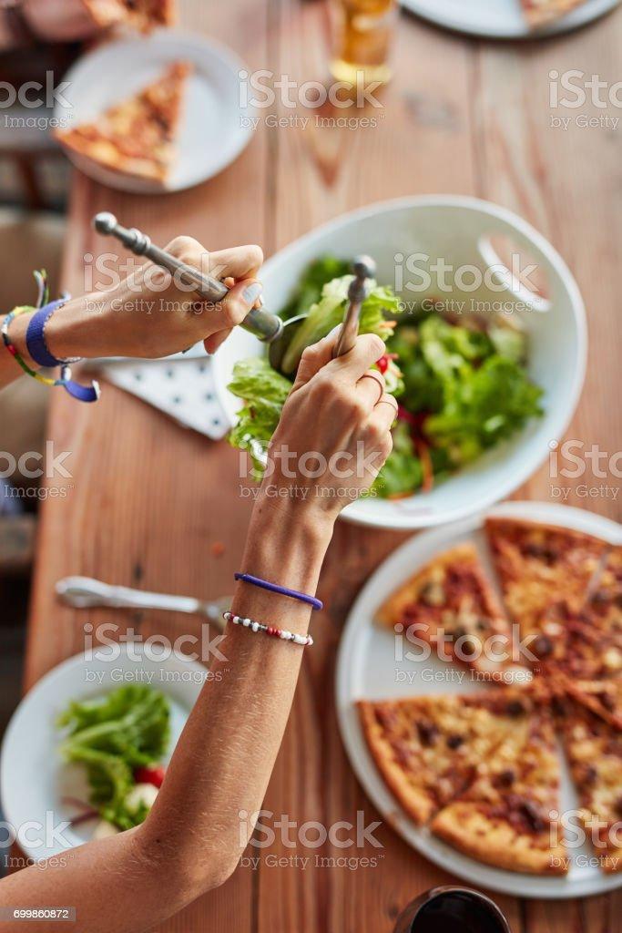 Pendant l'été notre inspiration s'essouffle, et trouver de bonne recette en prenant en compte la chaleur ce n'est pas toujours facile. Je partage avec vous, quelques recettes, pour vous aider à varier ce que vous mangez, tout en vous faisant plaisir.