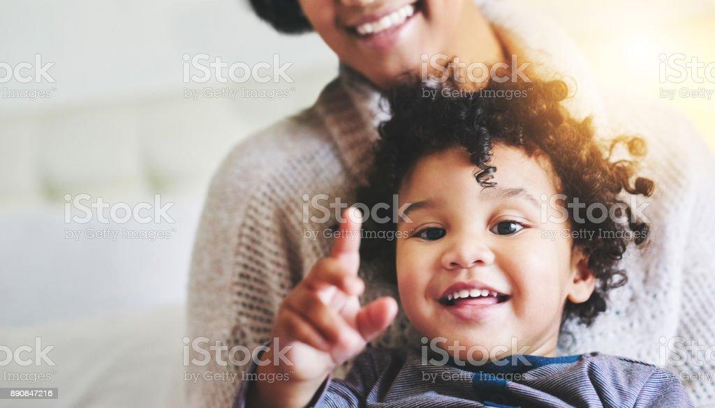 Hay mucho para ver y soñar con mi hijo - foto de stock
