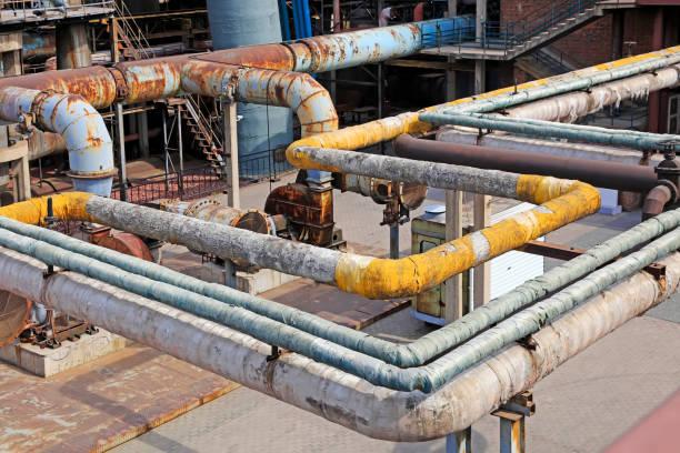 Thermische Isolierung Rohr und mechanische Ausrüstung in der Fabrik, Closeup Fotos – Foto