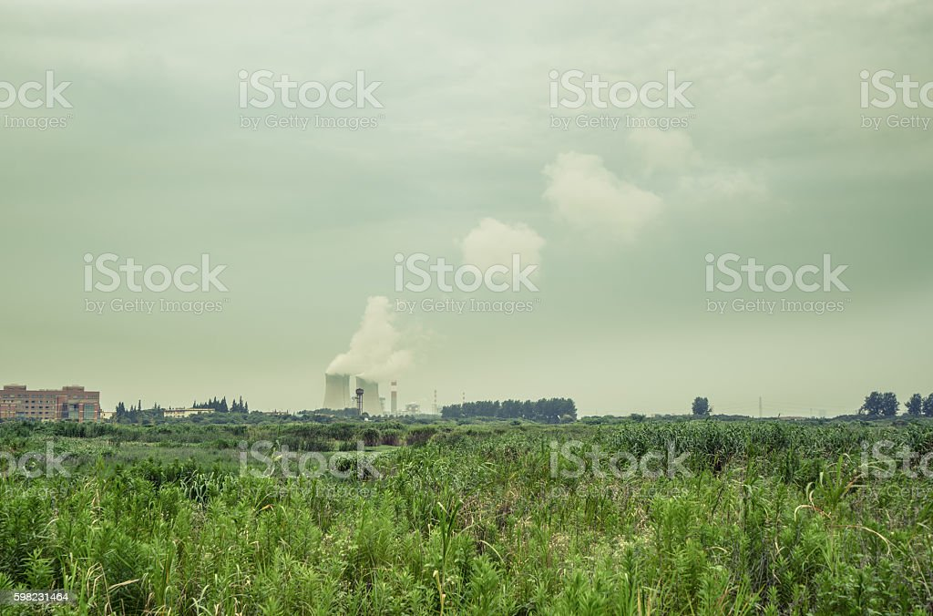 Thermal power plant in the gas emission pollution foto royalty-free