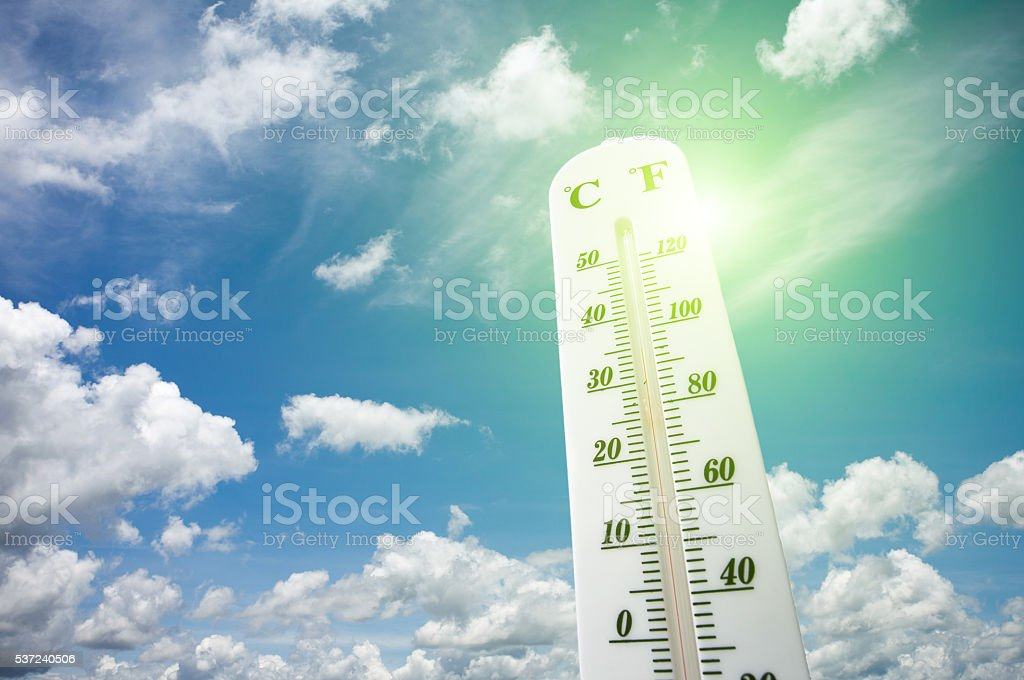 Thermometer on the summer heat - foto de stock