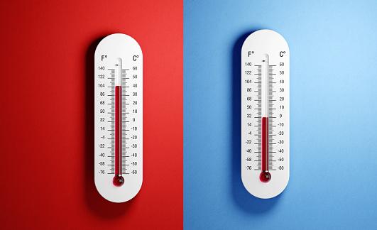 L'attribut alt de cette image est vide, son nom de fichier est thermometers-on-red-and-blue-background-picture-id1156282625.