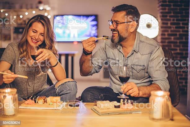 Sie Lieben Verbringen Zeit Zusammen Stockfoto und mehr Bilder von Sushi