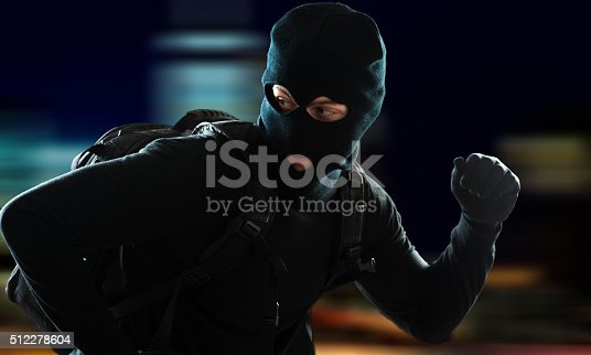 istock Thief escaping 512278604