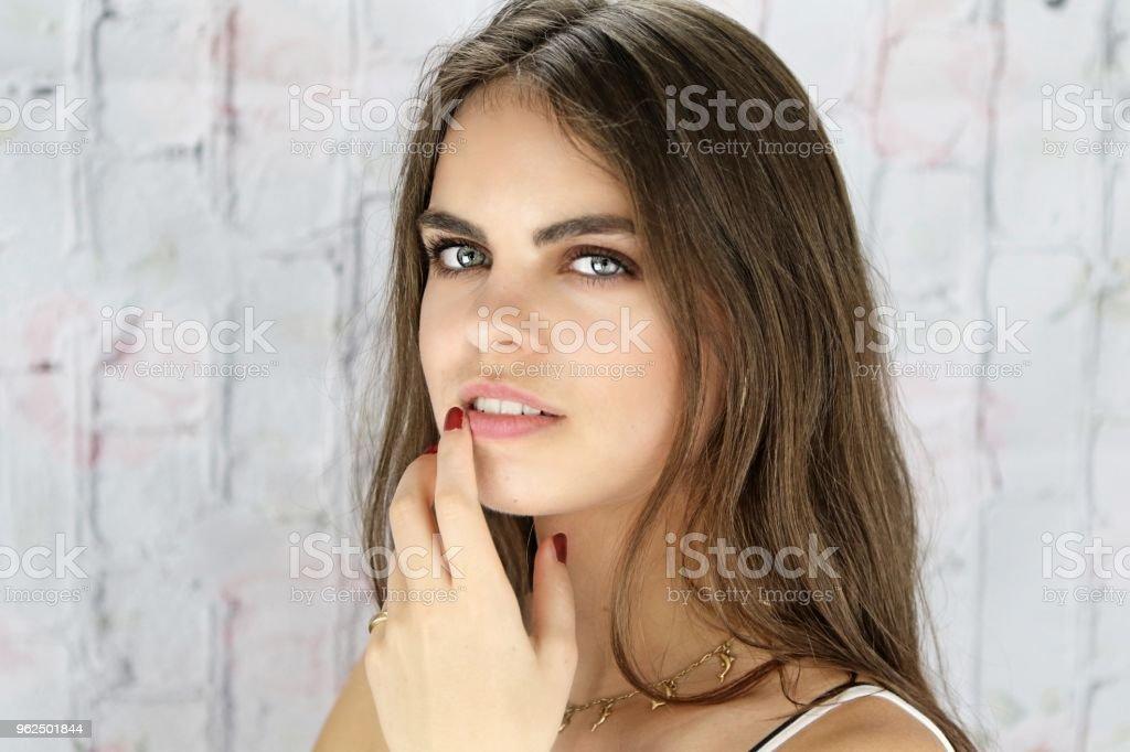 Pensando em Mischief - Foto de stock de 20-24 Anos royalty-free