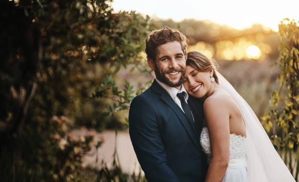 este dia é o primeiro de muitos dias bonitos juntos - casamento - fotografias e filmes do acervo