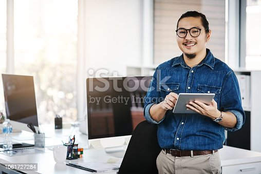 874813790 istock photo This is how I track my work tasks 1061727284
