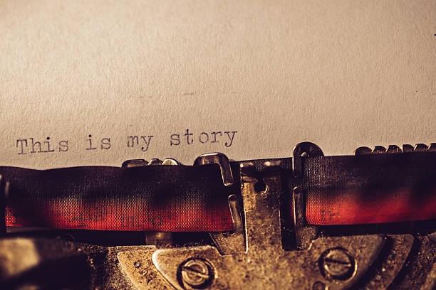 'this is my story' typed using an old typewriter - conte de fée photos et images de collection