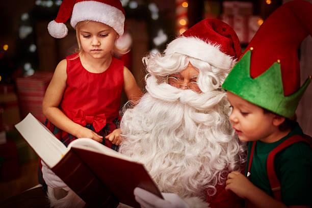 das ist echte christmas story - geschichten für kinder stock-fotos und bilder