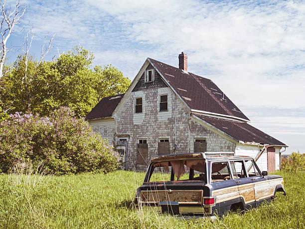 dieses old house - kombi stock-fotos und bilder