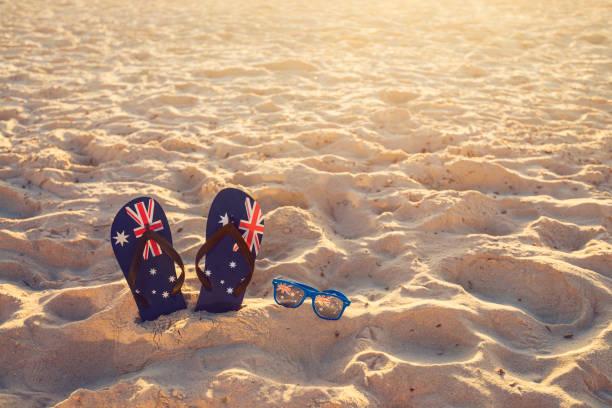 Riemen und Sonnenbrille auf Strandsand – Foto