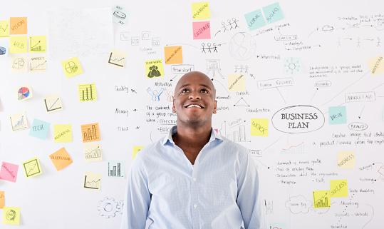 Thoughtful Man Thinking About A Business Plan Stockfoto und mehr Bilder von 2015
