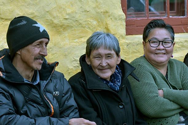 Three adult Greenlandic Inuit people – Foto
