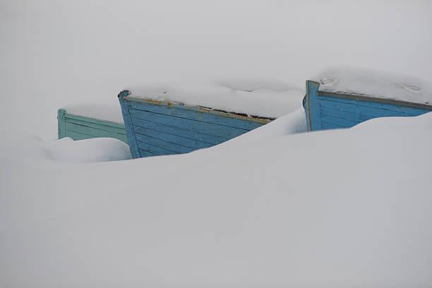 Drei Boote coverd mit Schnee – Foto