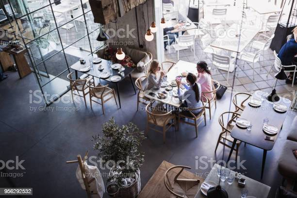 Three businesswomen having meeting and business lunch at highend picture id956292532?b=1&k=6&m=956292532&s=612x612&h=lu4xn xeawa1asyglhw44luh4qqgv0wmqua9bwnbjti=