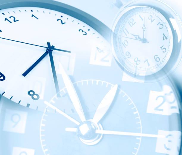 3 つの時計の顔 - 出勤 ストックフォトと画像