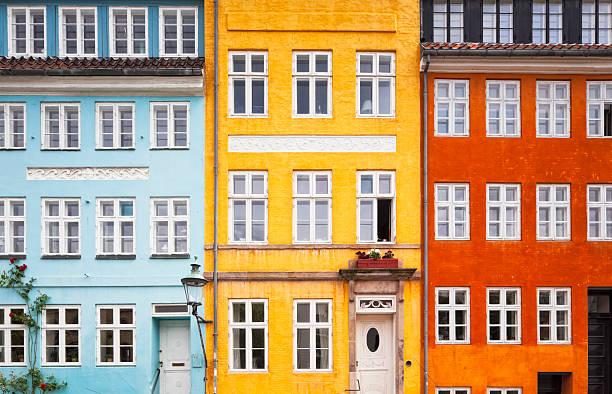 Drei Farben House Vorderseite – Foto