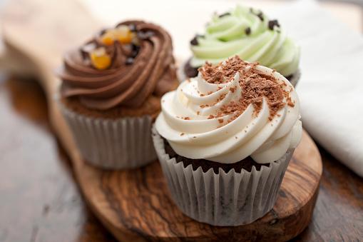 Three Cupcakes, Horizontal.