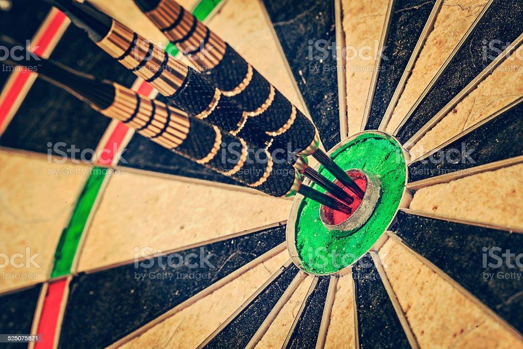 Drei Abnäher am bull's-eye-Nahaufnahme - Lizenzfrei Aktivitäten und Sport Stock-Foto