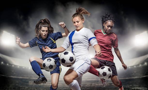 Drei weibliche Fußball-Spieler – Foto