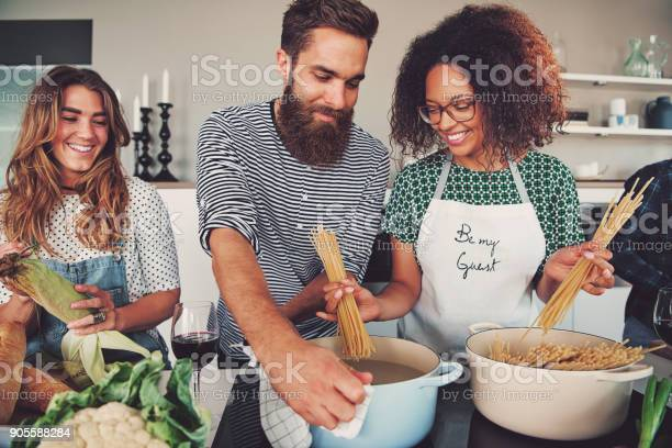 Three friends cooking spaghetti picture id905588284?b=1&k=6&m=905588284&s=612x612&h=plbygeaqrfecxpopuu9vbjzophyd2hlb rz7hfpyray=