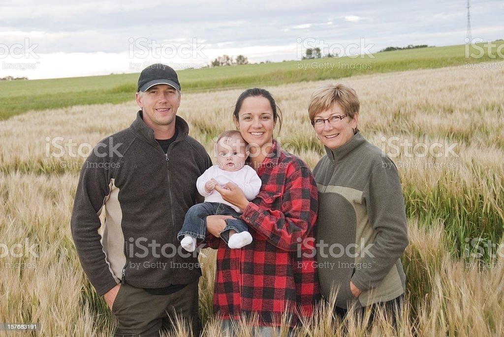 Landwirtschaft Familie mit drei Generationen – Foto
