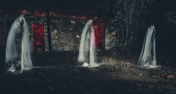 Trois fantômes - Photo