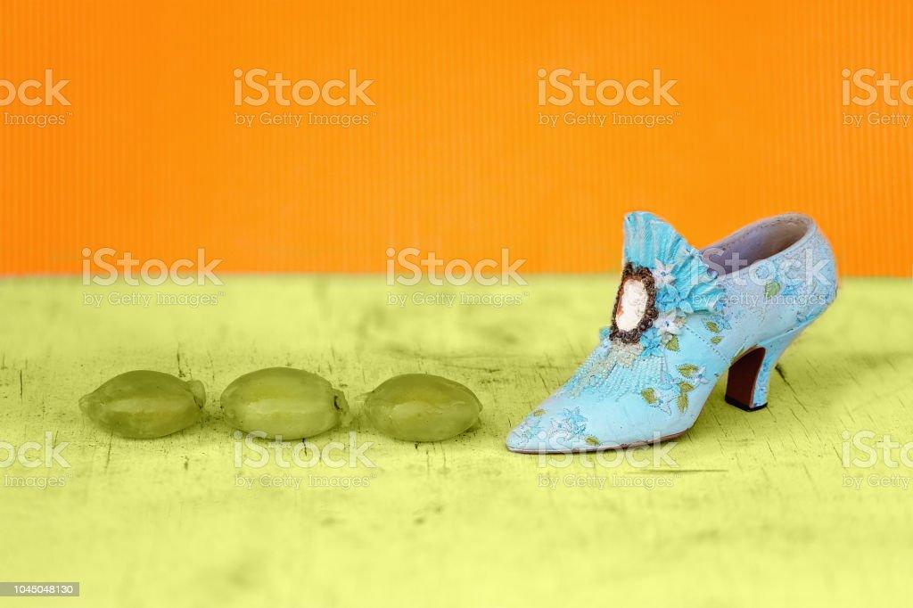 Trois cépages piétinés par une chaussure - Photo