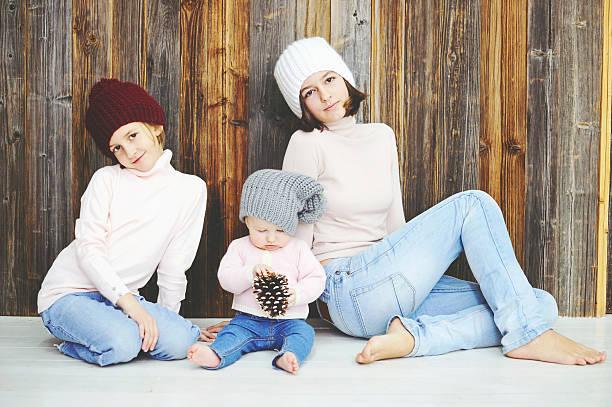 Drei Kinder Mädchen in Hut – Foto