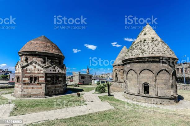 Three Kumbets Erzurum Turkije Stockfoto en meer beelden van Antiek - Toestand