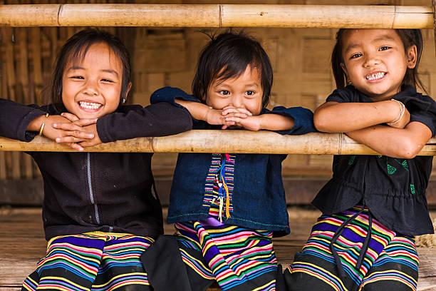 drei mädchen im norden von laos - laos stock-fotos und bilder