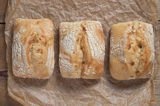 프렌치 번 3덩어리 - 치아바타 빵 뉴스 사진 이미지