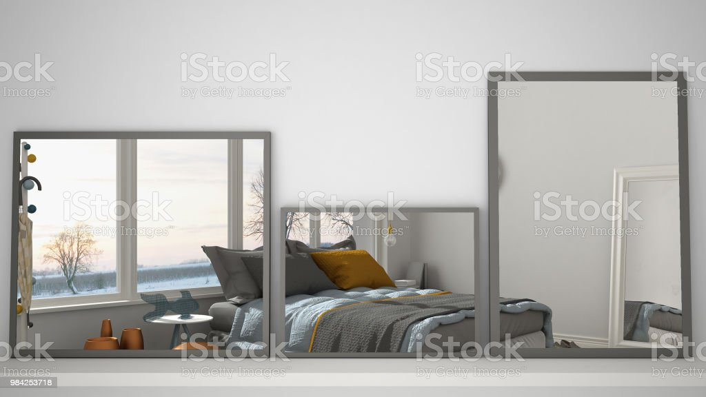 Drei Moderne Spiegel Auf Regal Oder Schreibtisch Interior ...