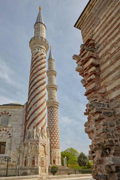 drei serefeli moschee in edirne, türkei - edirne stock-fotos und bilder