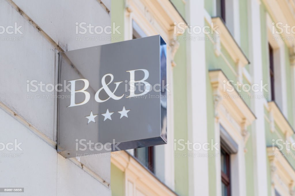 Three star bed and breakfast chrome sign - foto stock