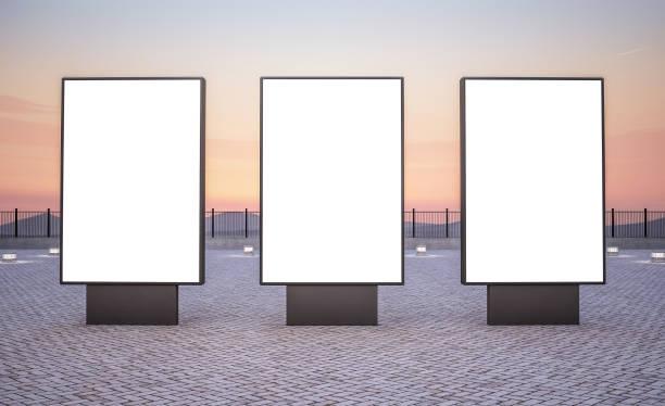 Drei vertikale Außenlaillenplatten – Foto
