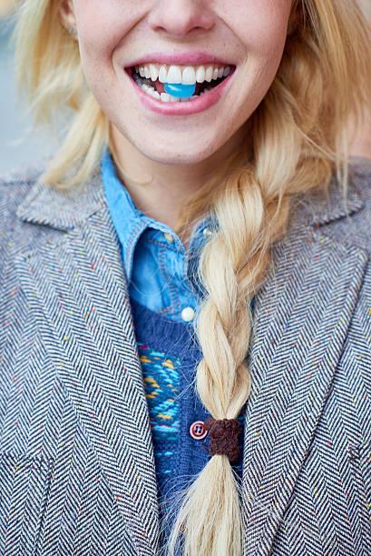 throat lozenge - nane şeker stok fotoğraflar ve resimler
