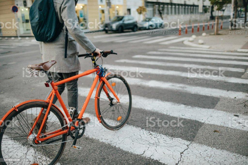 Durch die Stadt mit dem Fahrrad – Foto