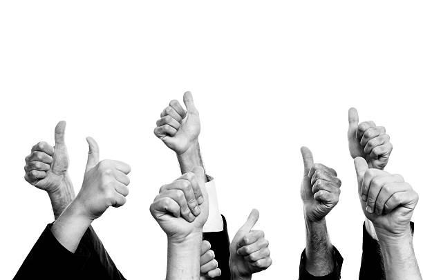 thumbs up.black and white. - 中等人數群 個照片及圖片檔