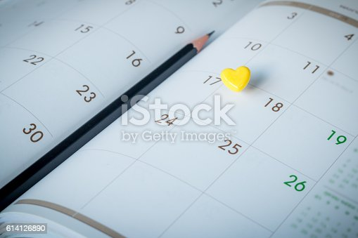 487354658 istock photo Thumbtack in calendar concept for busy, appointment and meeting 614126890