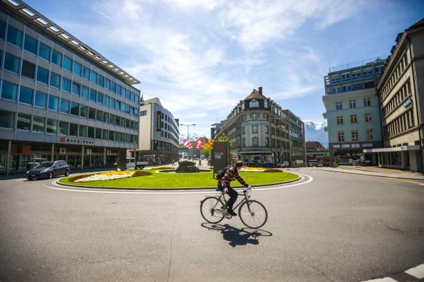 stadtbild thun, schweiz - thun switzerland stock-fotos und bilder