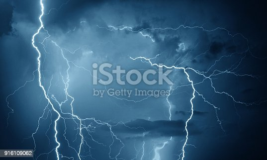 istock Thunder, lightning and rain 916109062