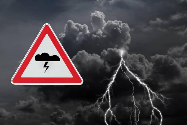 gewitter - wettervorhersage deutschland stock-fotos und bilder