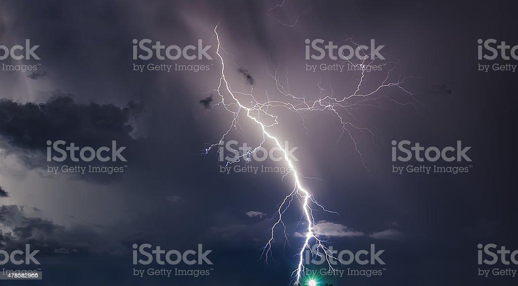 Gewitter mit Blitz Blitze auf der thailändischen Insel – Foto